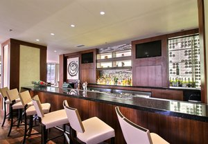 Bar - Renaissance Savery Hotel Des Moines