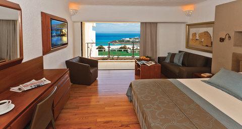 Porto Deluxe Bedroom Suite