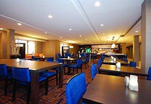 Restaurant - Courtyard by Marriott Hotel Raynham