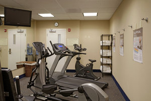 Fitness/ Exercise Room - Holiday Inn Express South Lathrop