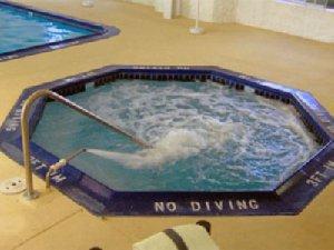Pool - Charlevoix Inn & Suites
