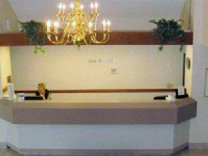 Lobby - Charlevoix Inn & Suites