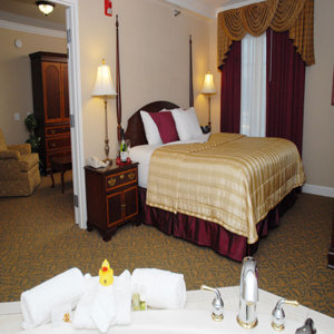 Room - Wilshire Grand Hotel West Orange