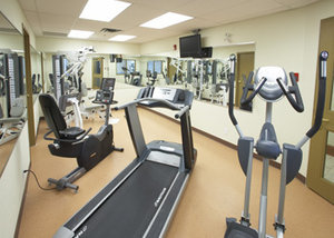 Fitness/ Exercise Room - Glenmore Inn Calgary