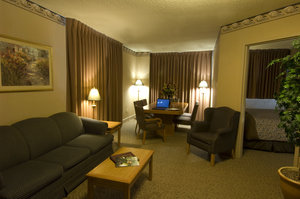 Suite - Glenmore Inn Calgary
