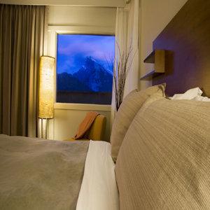 Room - Juniper Hotel and Bistro Banff