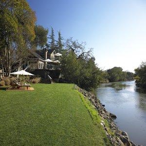Exterior view - Milliken Creek Inn Napa