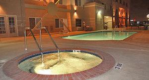 Spa - Holiday Inn Express Central Bakersfield