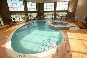 Pool - Isle Casino & Hotel Waterloo