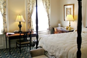 Room - Middlebury Inn
