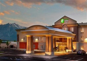 Exterior View Holiday Inn Express Hotel Suites Minden