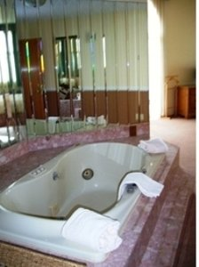 Room - Riveredge Resort Hotel Alexandria Bay