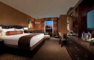 Room - Golden Nugget Hotel & Casino Las Vegas