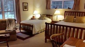 Room - Wooden Duck Bed & Breakfast Inn Newton