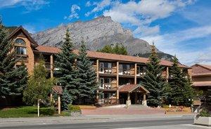 Exterior view - High Country Inn Banff