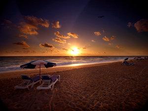 Beach - Palm Beach Shores Resort & Villas