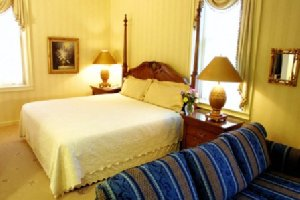 Room - Hotel Winneshiek Decorah