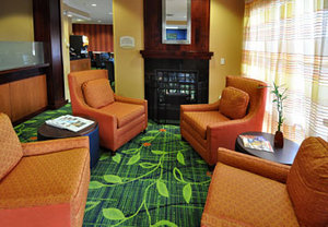 Lobby - Fairfield Inn by Marriott Aurora