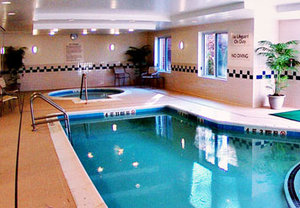 Pool - Fairfield Inn by Marriott Medford