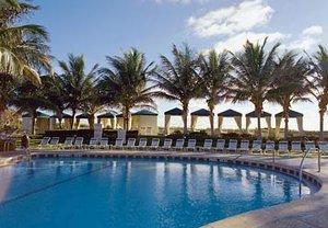Pool - Marriott Vacation Club Ocean Pointe Palm Beach Shores