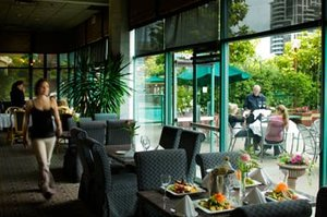 Restaurant - Executive Hotel Burnaby