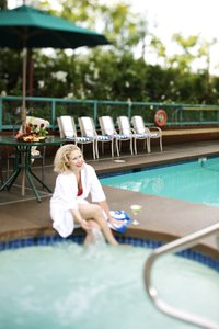 Pool - Executive Hotel Burnaby