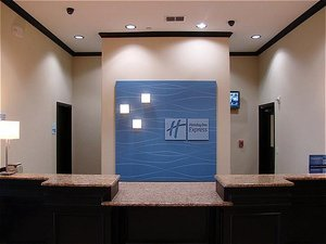Lobby - Holiday Inn Express Hotel & Suites Brownfield