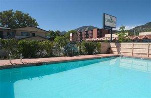 Pool - Boulder University Inn