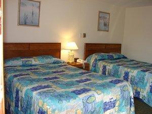 Room - Bay Willows Inn Middletown