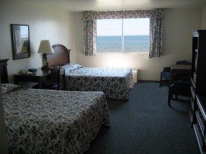 Room - Lighthouse Inn Lake Michigan Two Rivers