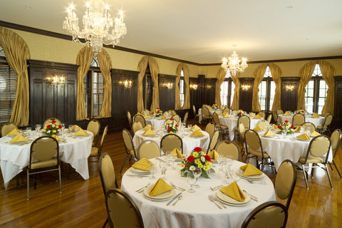 Our Lincoln Ballroom is ideal for banquets and rec