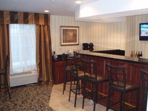 Bar - Cobblestone Inn & Suites Clintonville