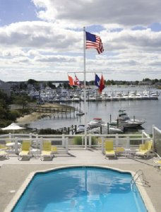 Pool - Anchor In Waterfront Lodging Hyannis