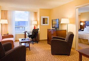 Suite - Marriott Hotel Minneapolis Airport Bloomington