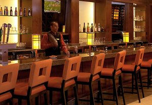 Bar - Marriott Hotel & Conference Center Coralville