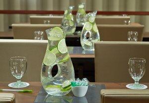 Meeting Facilities - Courtyard by Marriott Hotel Englewood