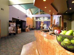 Lobby - Executive Royal Inn West Edmonton