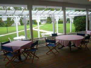 Exterior view - Colonial Inn Harbor Springs
