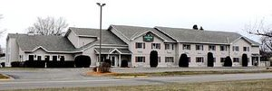 Exterior view - Country Inn Deerwood