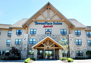 Exterior view - TownePlace Suites by Marriott Overland Park