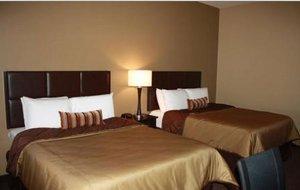 Room - Parkwood Inn & Suites Manhattan