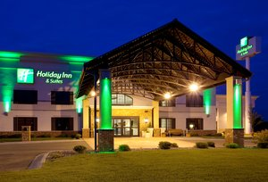 Exterior view - Holiday Inn Hotel & Suites Lakeville