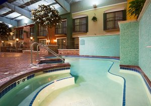 Pool - Holiday Inn Hotel & Suites Lakeville