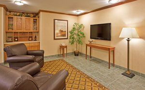 Lobby - Candlewood Suites Junction City