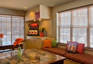 Lobby - TownePlace Suites by Marriott Lakewood