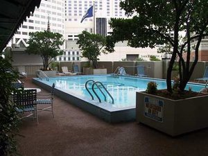 Pool - DoubleTree by Hilton Hotel New Orleans