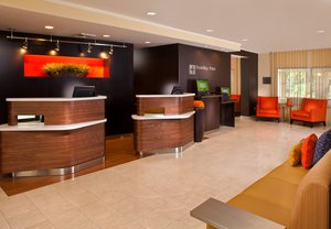 Lobby - Courtyard by Marriott Hotel Covington