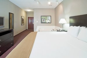 Suite - Holiday Inn Express New Haven