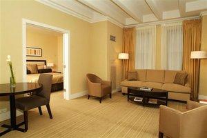 Suite - Raffaello Hotel Chicago