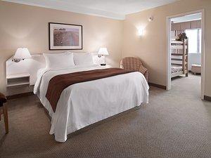 Suite - Sandman Hotel Lethbridge